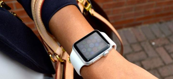 What size of the Apple Watch for women is better to choose – 38 or 42 mm sized?