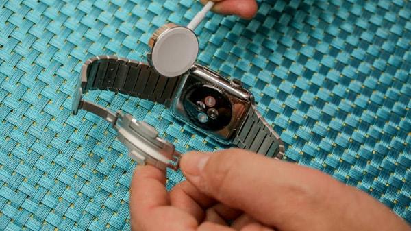 Как поменять вид часов Apple Watch?