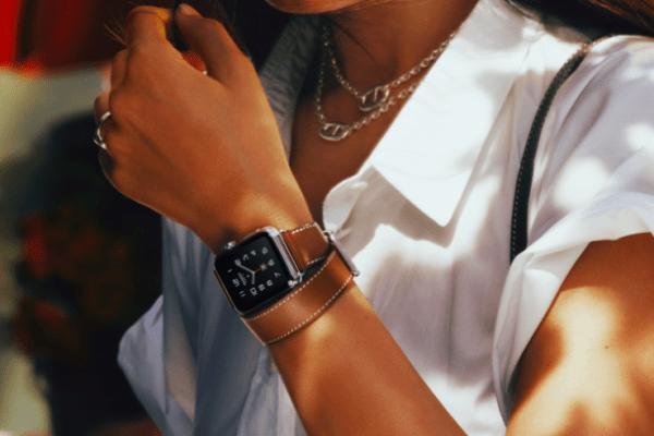 Женский тип наручных часов Apple Watch