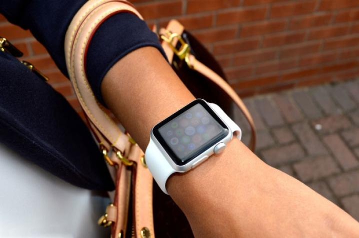 Female type of watches Apple Watch
