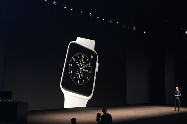 Состоялась официальная презентация новых часов Apple Watch Series 2