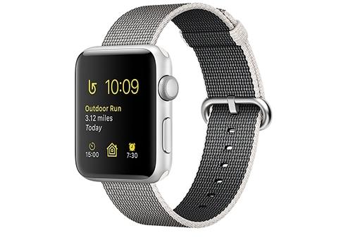 Apple Watch Series 2,  42 мм, корпус из серебристого алюминия, ремешок из плетёного нейлона жемчужного цвета MNPK2RU/A