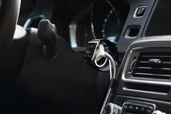 Bobine Watch в автомобиле