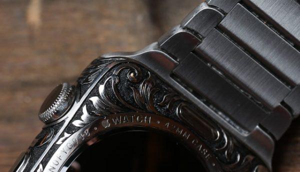 Apple Watch с ручной гравировкой - образец 2