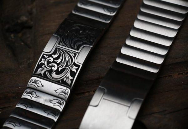 Apple Watch с ручной гравировкой - образец 4