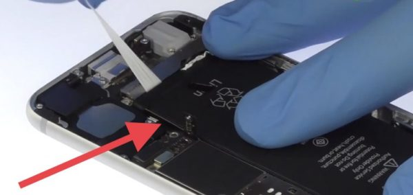 Замена аккумулятора в iPhone - шаг 13