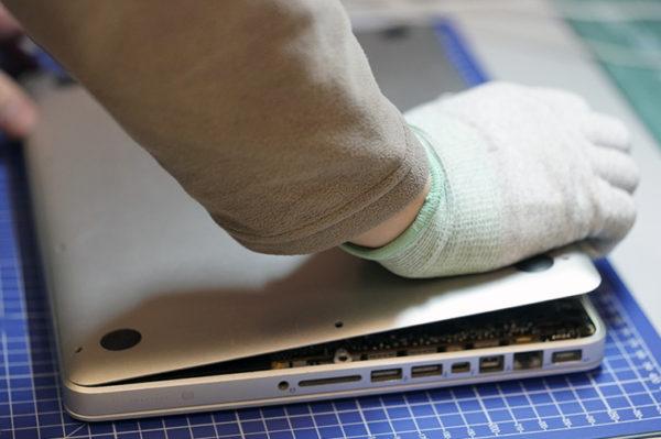 Замена жесткого диска на MacBook Pro - шаг 2