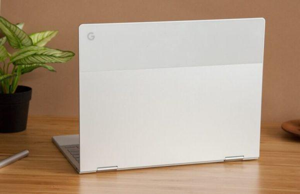 Вид Google Pixelbook сзади