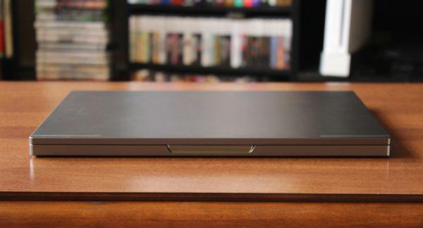 Chromebook Pixel в закрытом виде