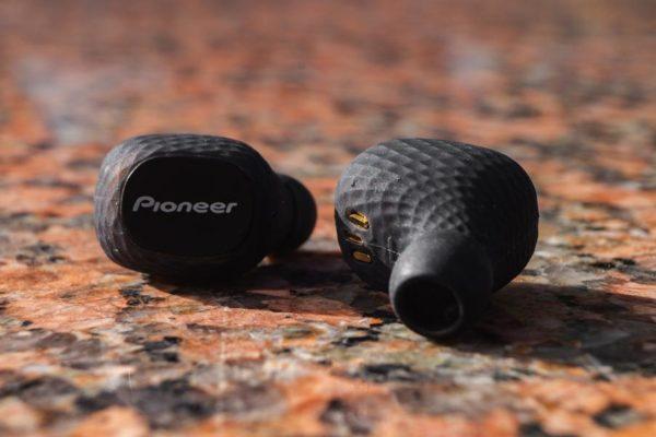 Наушники Pioneer C8