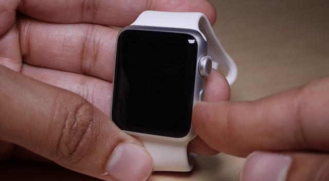 Apple Watch выключились и не включаются