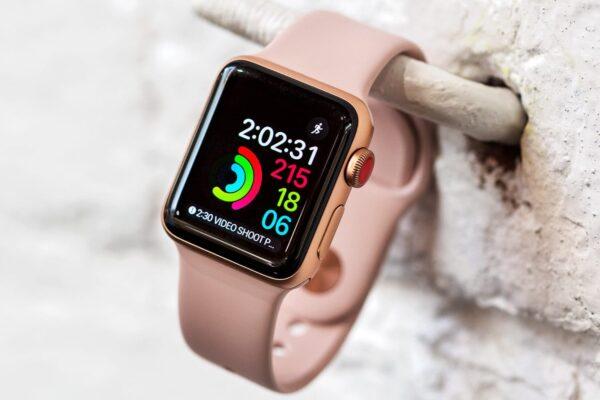 Apple Watch перезагружаются