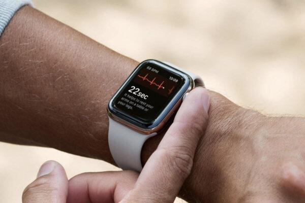 Apple Watch 5 начали отключаться