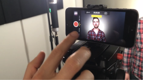 Как поставить видео на паузу на iPhone